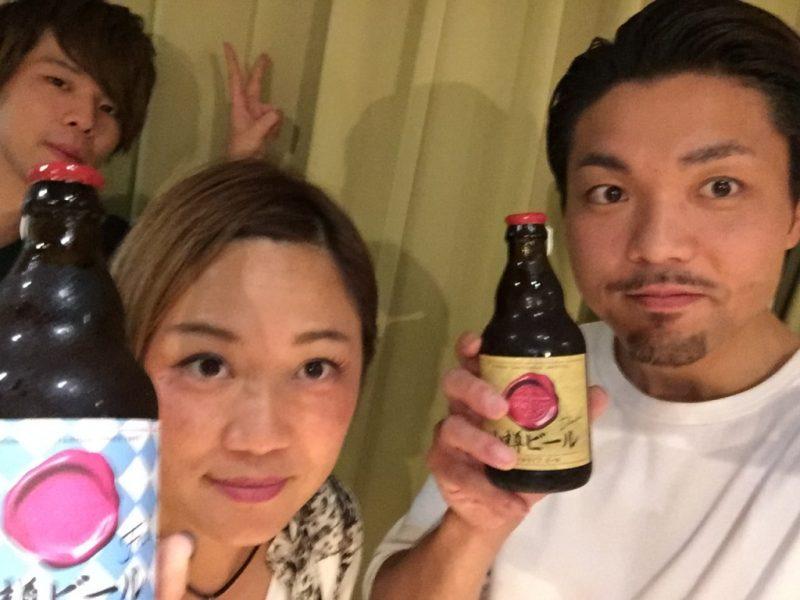 スーさんと小樽ビールと記念写真♪ (なぜかそめしゅんも背後に…)