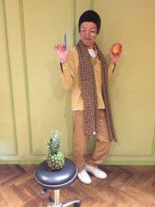 10月入社の新人マイクこと下地はピコ太郎こと「シモ太郎」に笑
